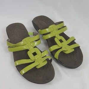4591242c3 Clarks Shoes - Clarks Privo green Strappy slide on Sandals Sz 8